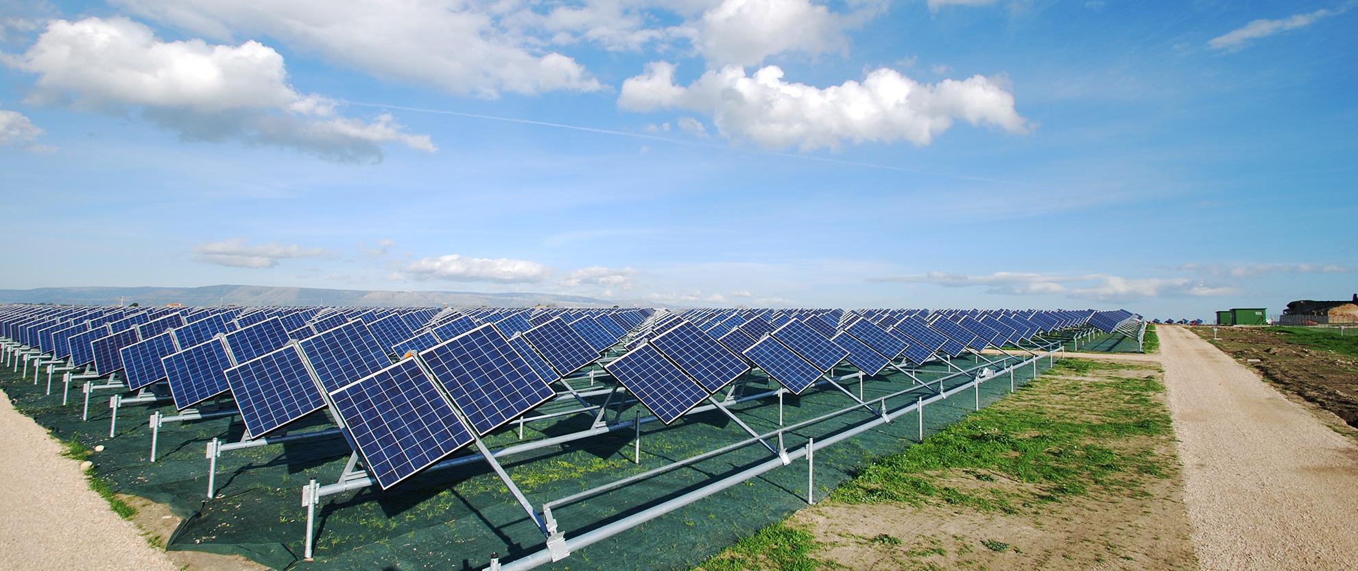Pannelli solari energia eolica